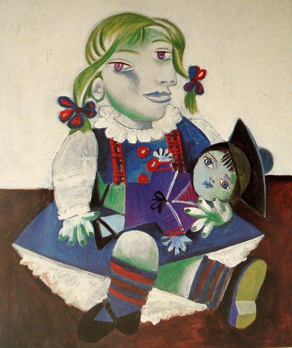 人形を抱くマヤ