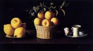 オレンジ、レモン、水のはいったコップのある静物