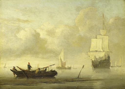 穏やかな海岸の船