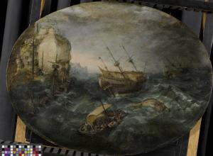 ロッキー海岸沖の難破船