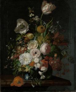 ガラスの花瓶に入った花の静物
