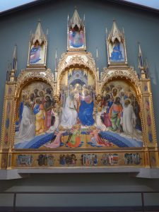《聖母の戴冠と礼拝する聖人たち》(akanesaga0128)